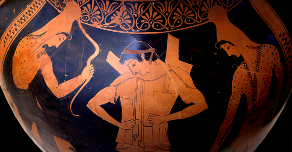 Hoplite warrior putting his armor on, surrounded by two Scythian warriors depicted on an Attic red-figure belly-amphora, ca. 510 - 500 BCE. Source: Wikimedia Commons
